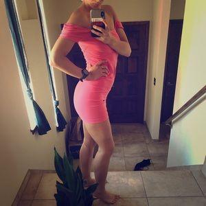 M/L Pink Bebe Mini Dress 👗❤️🌺